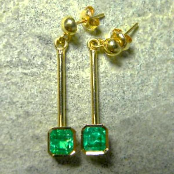 1.25ct Square Colombian Emerald Dangle Earrings 18K Gold