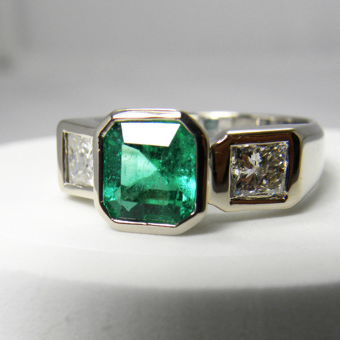 emerald vintage product gold aprox jewelry ring estate in solitaire