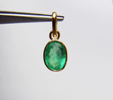 Fine Natural Colombian Emerald Oval Solitaire Pendant 18K Yellow Gold