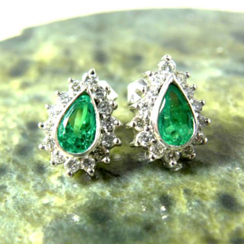 1.60 carats Natural Emerald & Diamond Earrings 18K White Gold