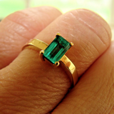 0.60CT Natural Colombian Emerald Solitaire Ring 18 Yellow Gold