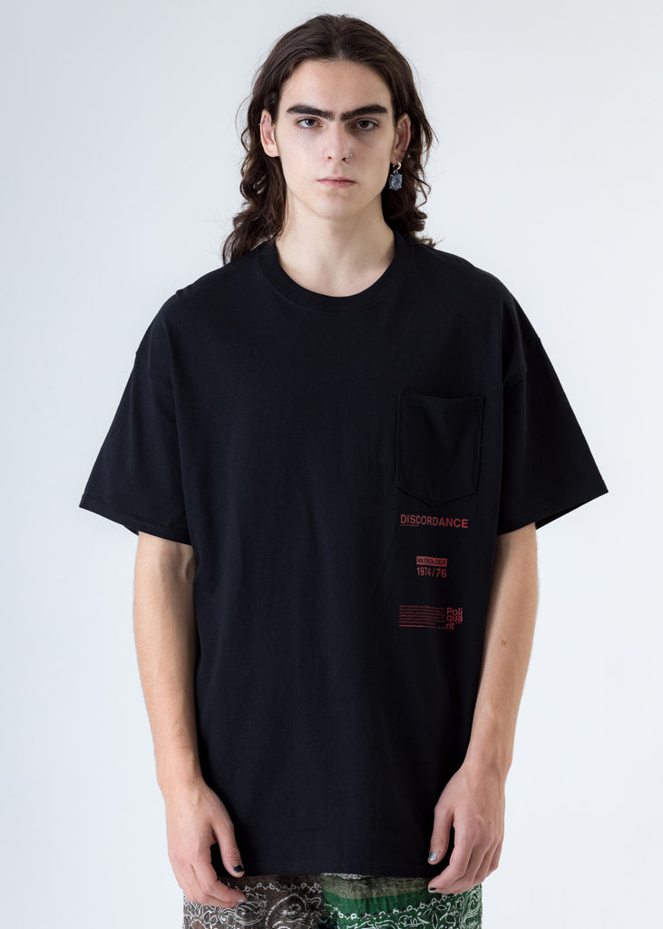 Black Bandana P Patch Print T-Shirt (Red P)