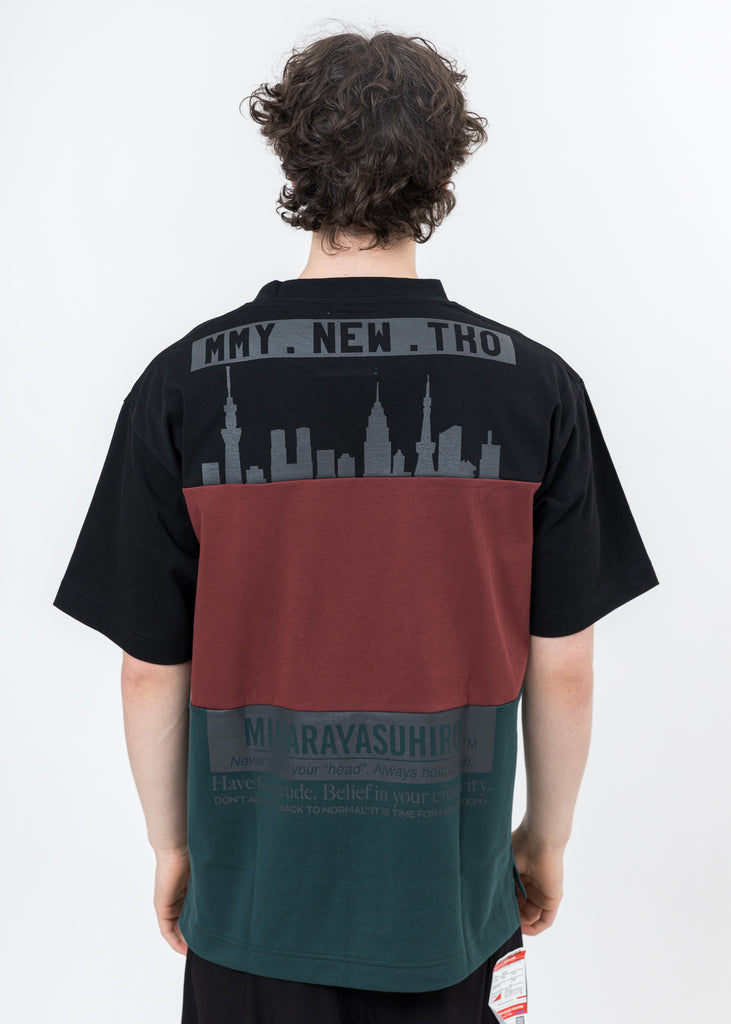 Black Border Docking T-Shirt