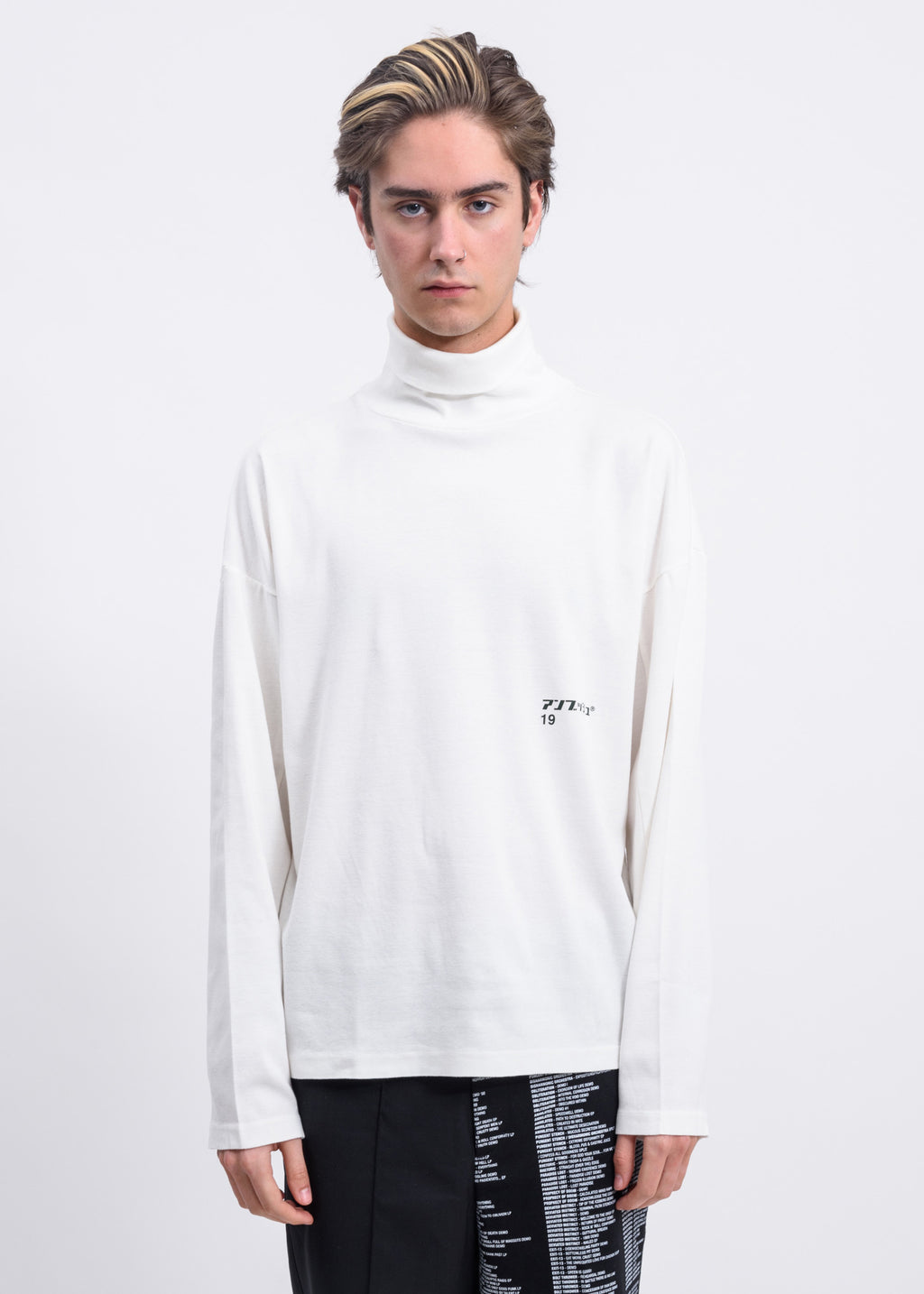 White Print Turtleneck Long Sleeves