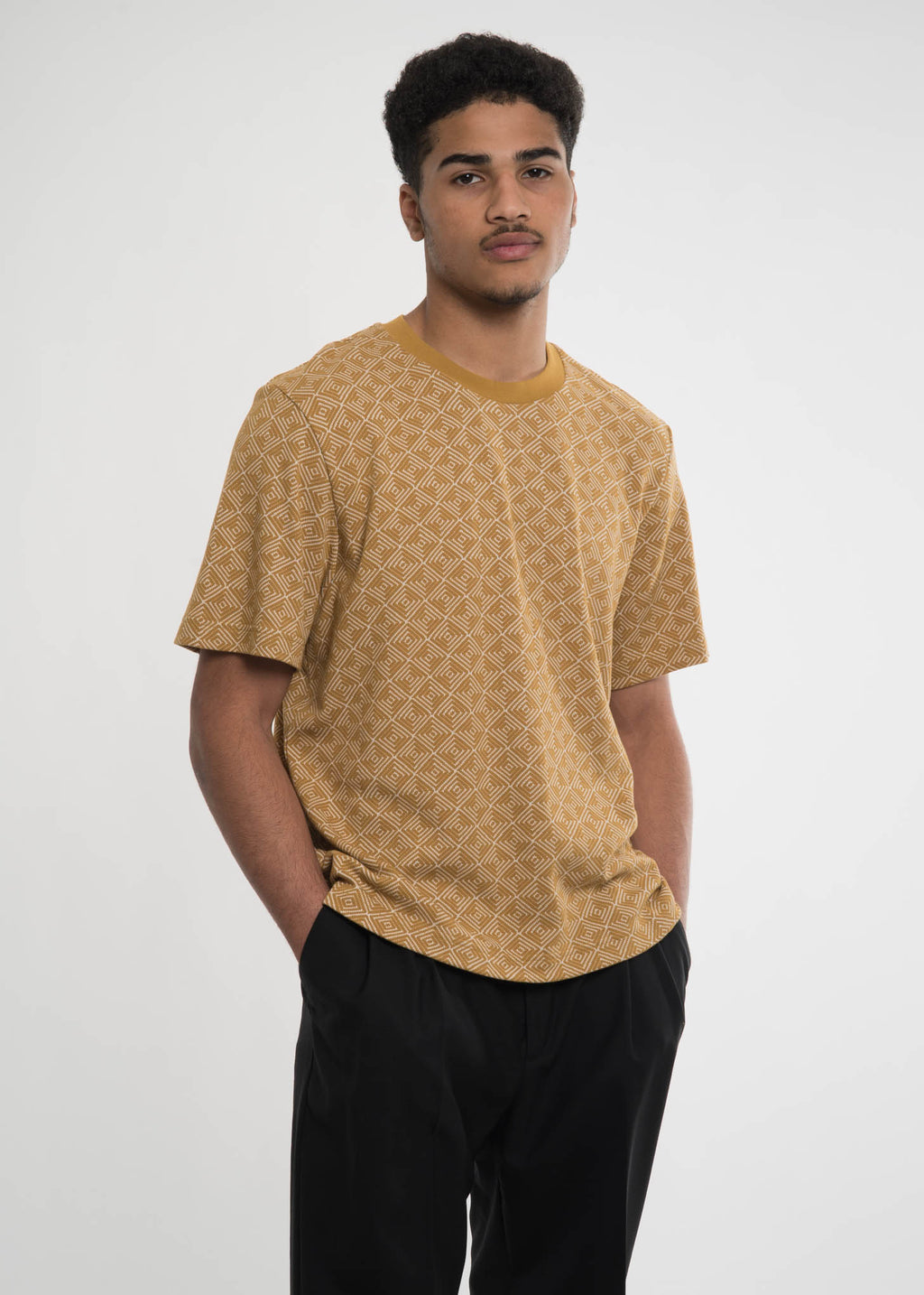 Cmmn Swdn, Mustard Miles Knitted T-Shirt, 017 Shop