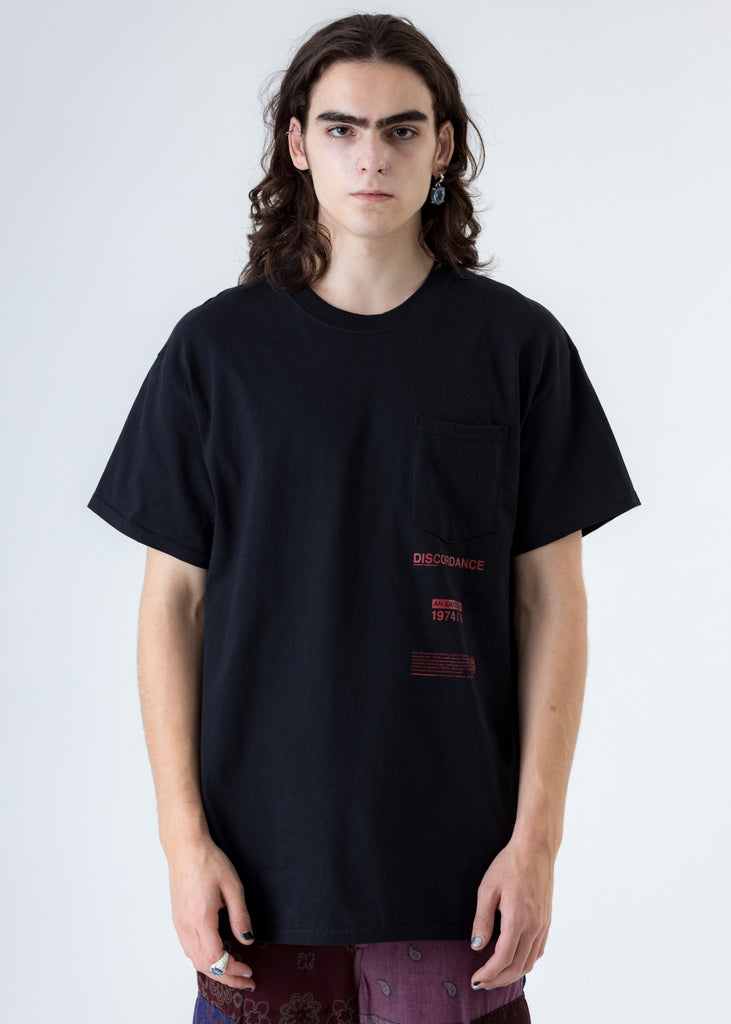 Black Bandana P Patch Print T-Shirt (Black P)