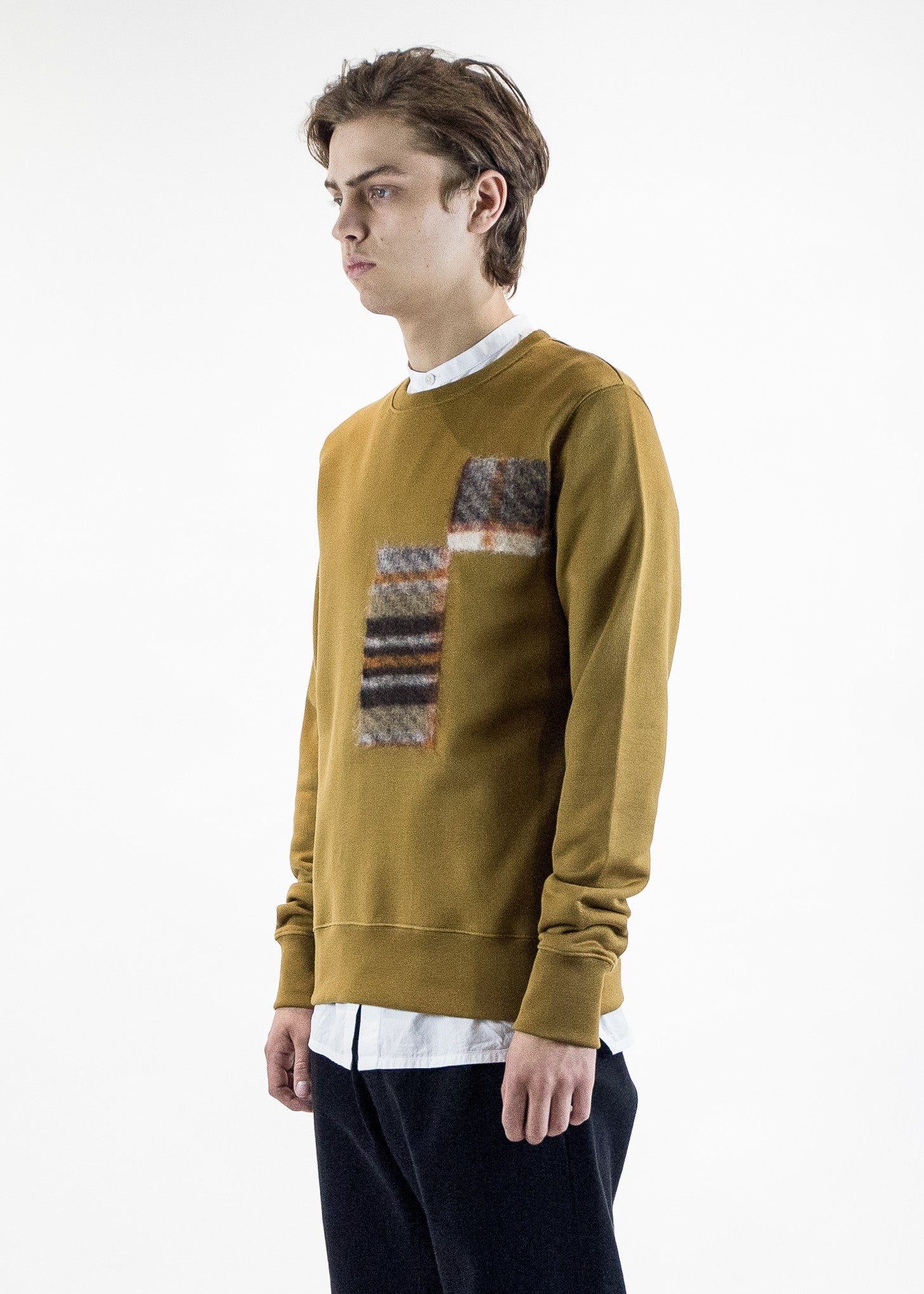 cmmn swdn mens mustard Noah Sweatshirt with Felt Detail