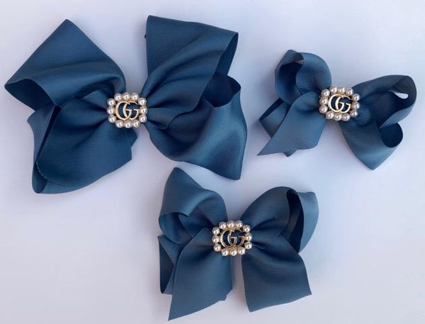 Antique Blue Bow with GG Center