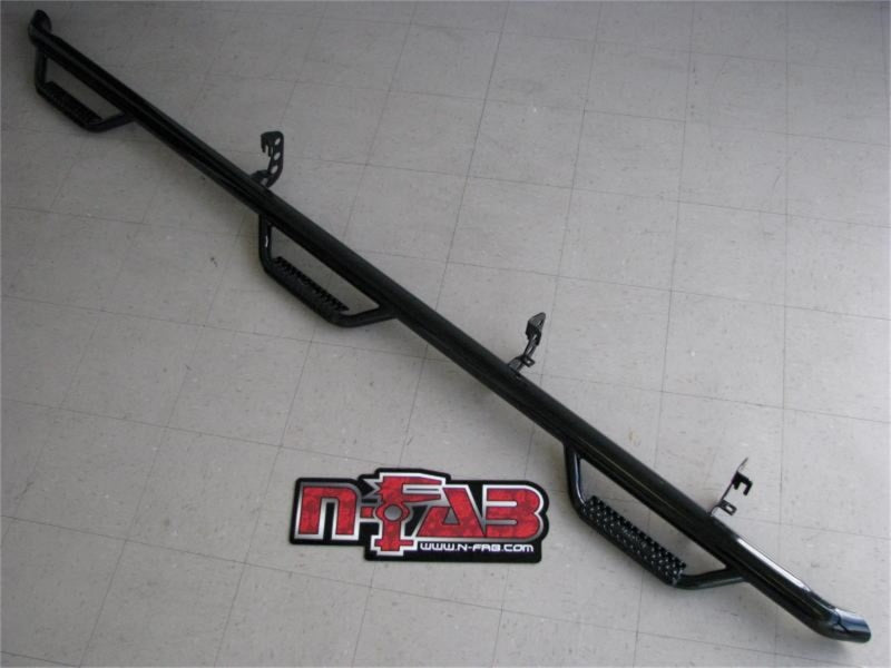 N-Fab Nerf Step 15-17 Ford F-150 SuperCrew 5.5ft Bed - Gloss Black - Bed Access - 3in