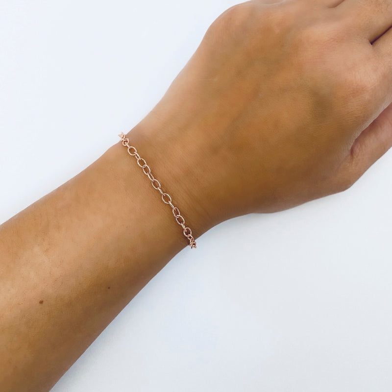 Textured Oval Chain Bracelet