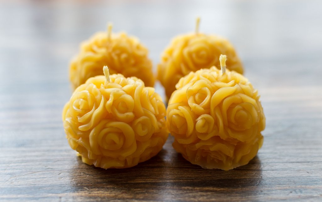 LONDON BEE COMPANY BEESWAX ROSE CANDLES