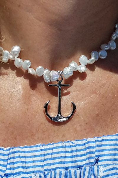 The Poppy Pearl and Anchor Necklace