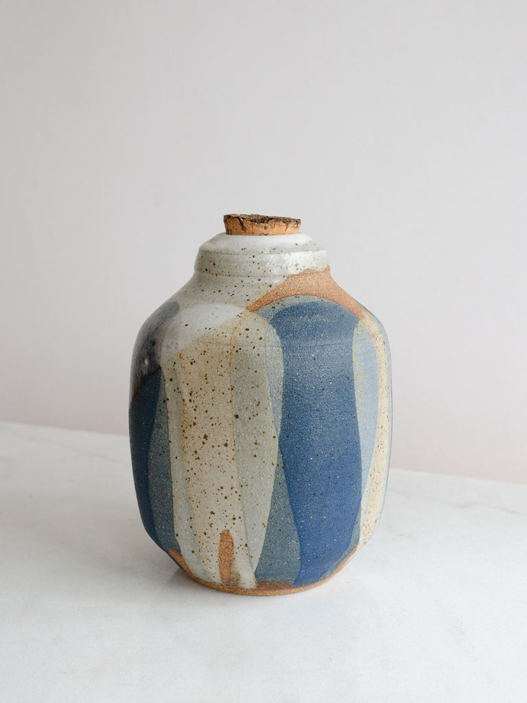 Ceramic Bottle | Lago