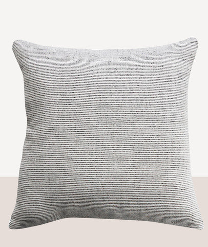 Sandridge Cushion w/Feather Inner / Off White/Lead