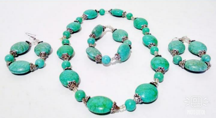 Turquoise Beaded Necklace Set