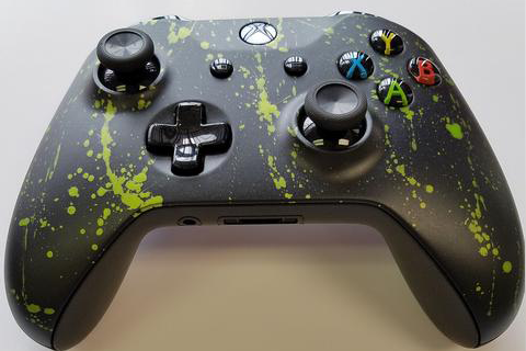Custom Painted Xbox One S Controller - Black Matte with Green Splatter - Game and Video