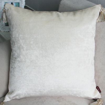 Luxurious Chenille Pillow Cover with Tassle - modernbedspace