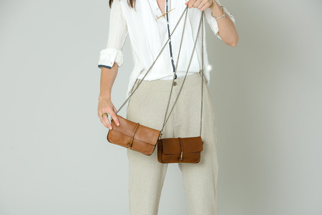 SAND WIRE CLUTCH W/ CHAIN