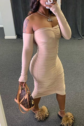Whatwears coupon: Off The Shoulder Wrinkled Solid Color Dress
