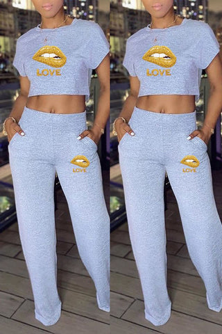 Whatwears coupon: Lip Print High Waist Pocket Two Piece Sets