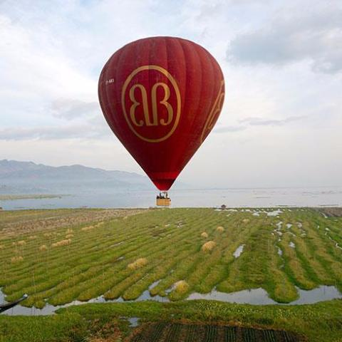 Balloons over Inle - Alamanda Travels, Myanmar