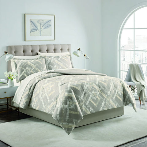 J. Queen Bel Air Comforter Set