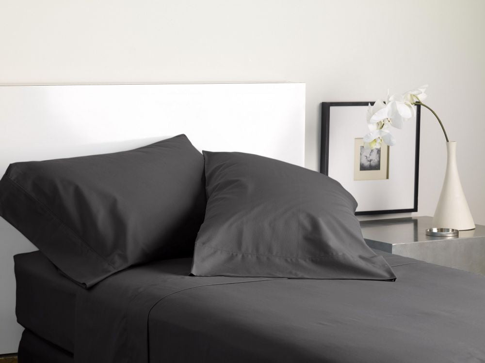 MODERN LIVING SOLID COLOR T300 SHEET SET graphite