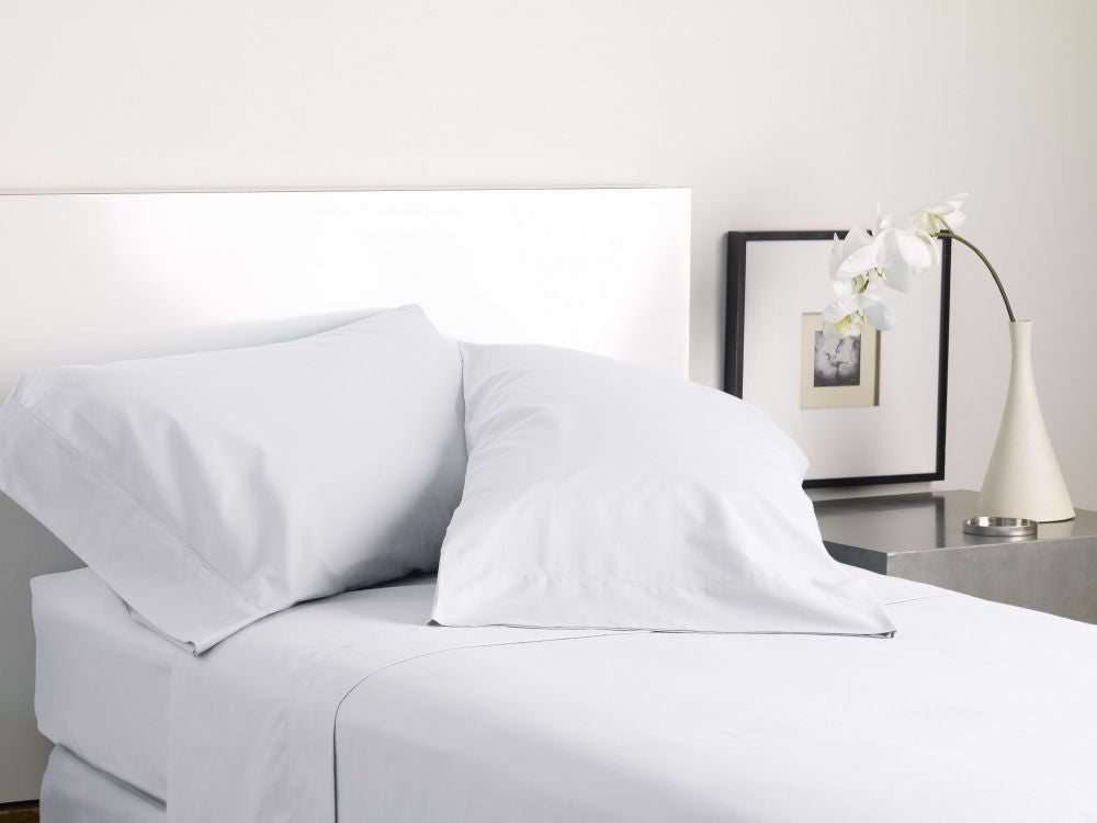 MODERN LIVING SOLID COLOR T300 SHEET SET white
