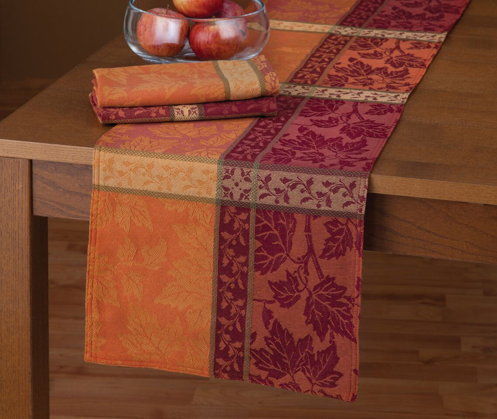 MONTVALE TABLECLOTH runner