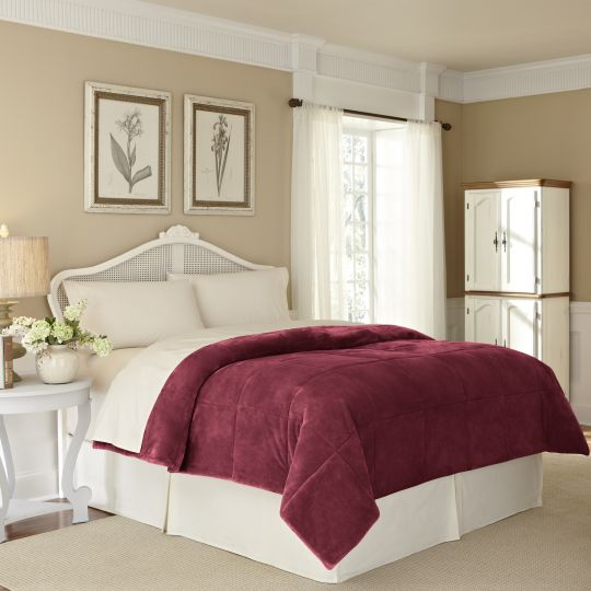 Vellux Plush Lux Blanket burgundy