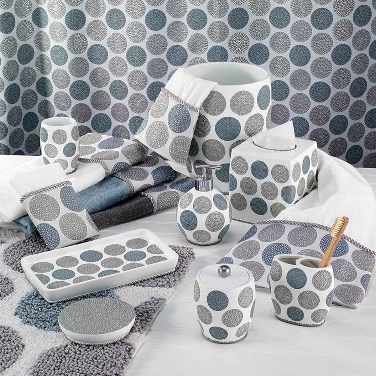 avanti dotted circles bath collection