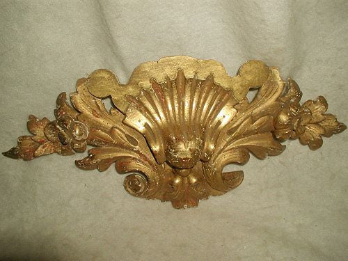 Carved gilt shell Italian floral 19th century architectural piece