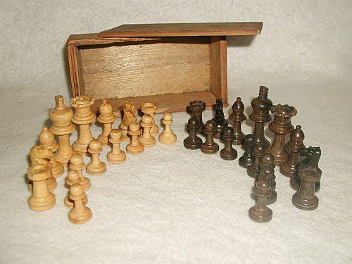 Scottish Chess Set Ebony Boxwood With Storage Box Hand Made 19th C