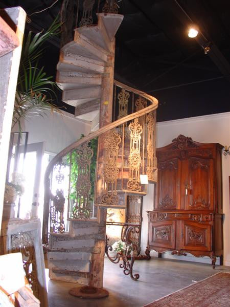 Antique Spiral Staircase Found in Central South France