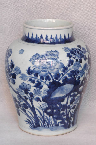 Masterpiece Large Chinese Qing Blue and White Jar Shunzhi , 17C