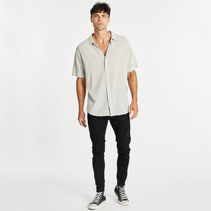 Downtown Relaxed Short Sleeve Shirt Pigment Grey