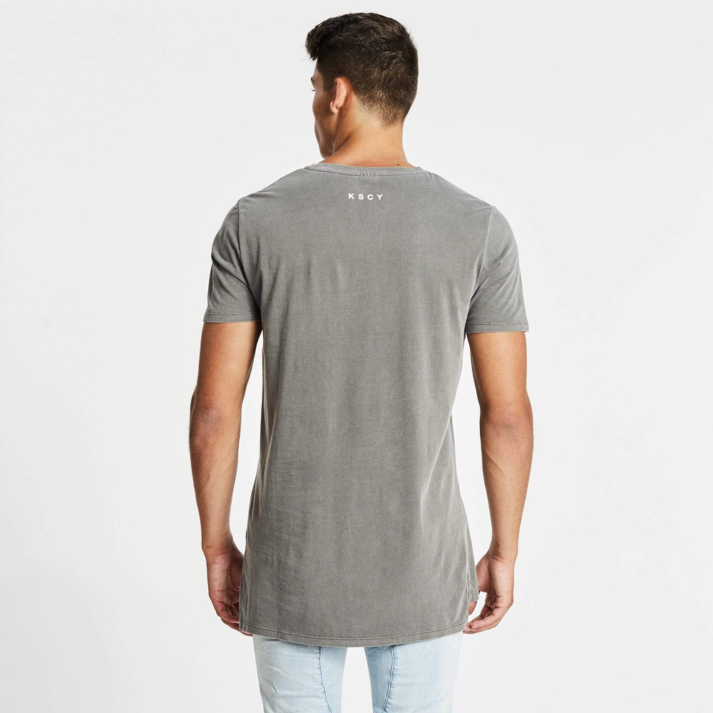 Pace Step Hem T-Shirt Pigment Charcoal