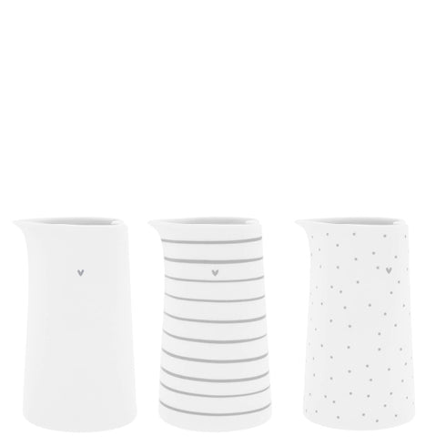 Kanne in verschiedenen Mustern grau - JUG Dots, Stripes or clear Heart grey