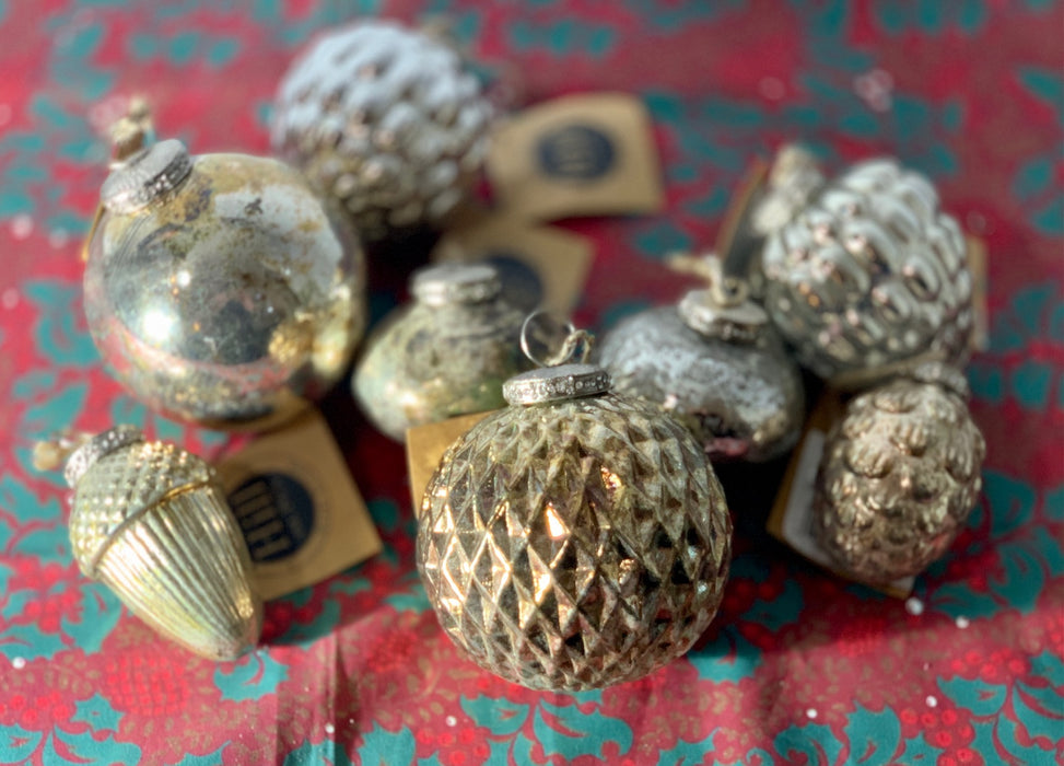 Traditional Christmas Bauble - Burnished Gold Honeycomb - Heirloom Collection