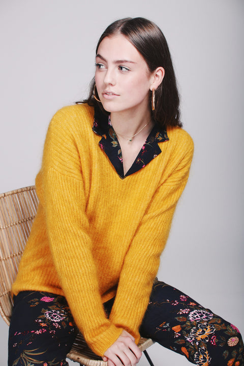 Aloa Knit V-Neck - Golden Glow