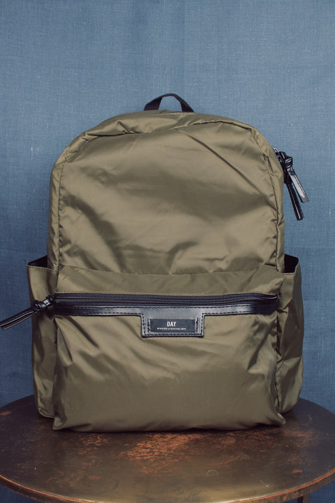 Day Gweneth Structure Back pack - Deep Olive