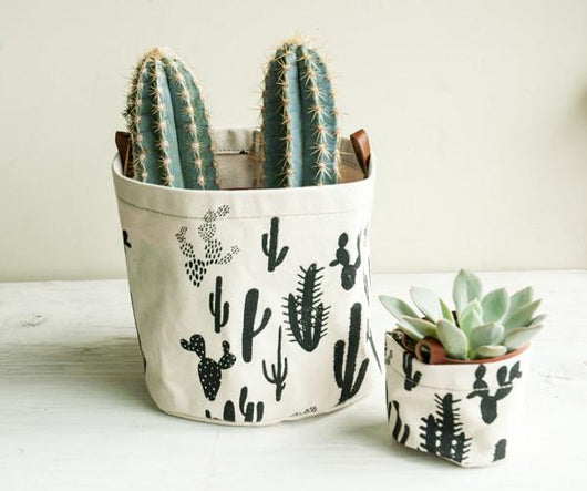 CACTUS BLACK ON WHITE FABRIC BUCKET-L