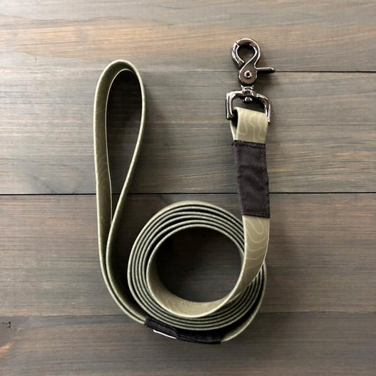 WATERPROOF TOPOGRAPHIC LEASH
