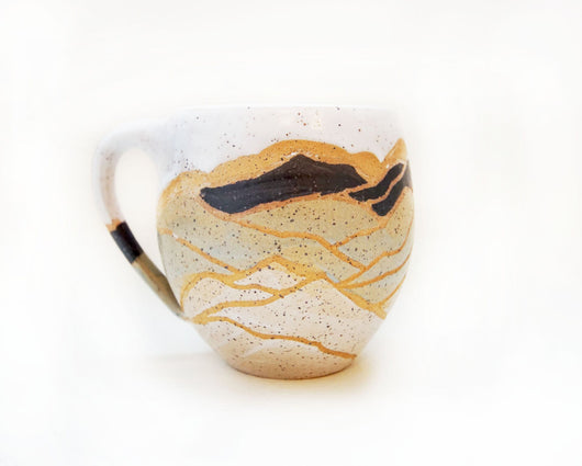 LAYERED MOUNTAIN MUG