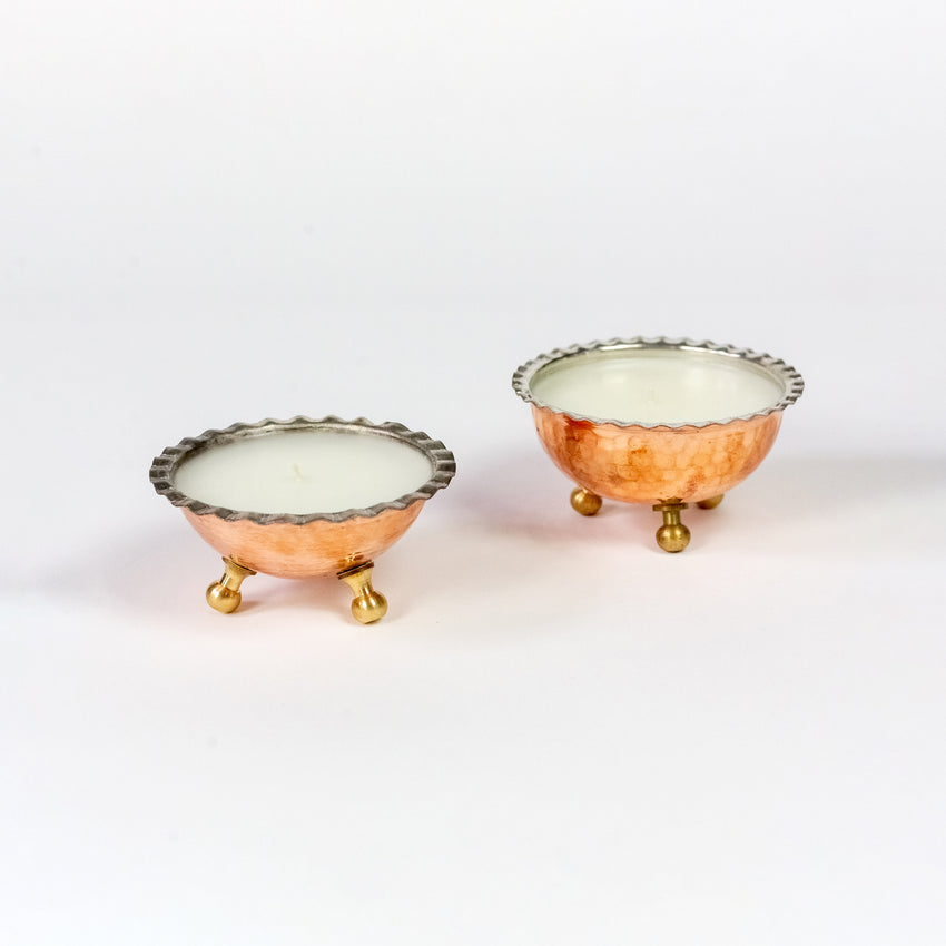 Delicate Copper Bowl Candle with Ruffles