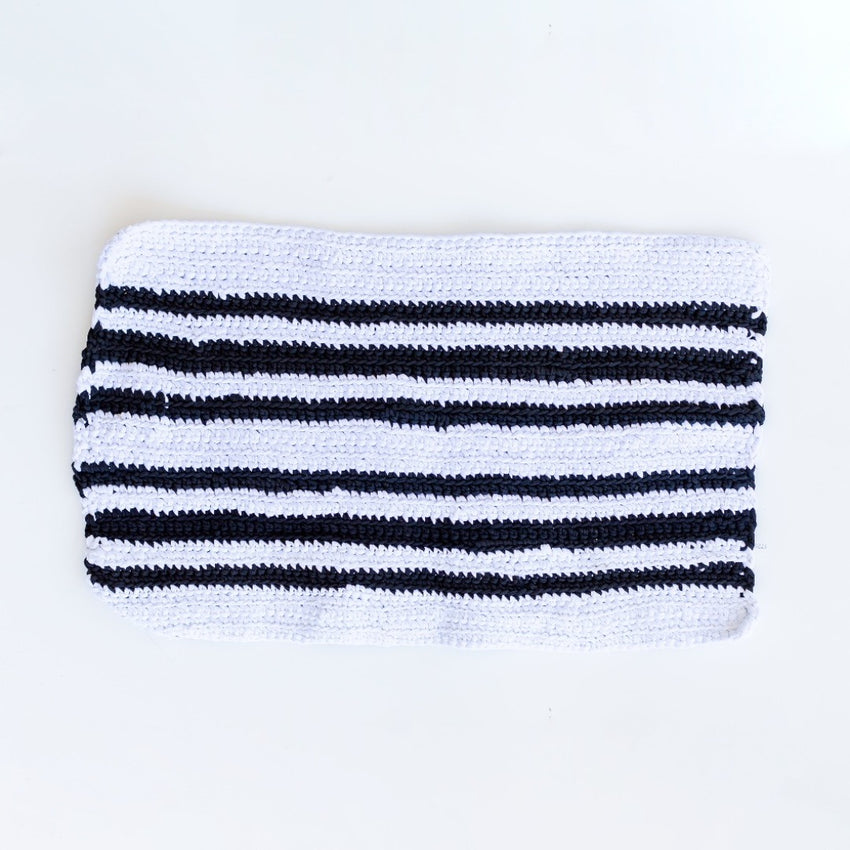 Sisterhood Knits, Handmade Mini Twist Rug