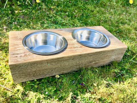 dog feeding station