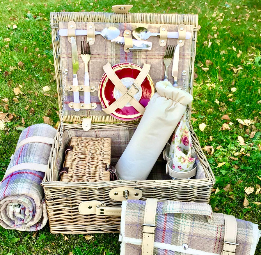 The Marlborough fitted picnic hamper for 2