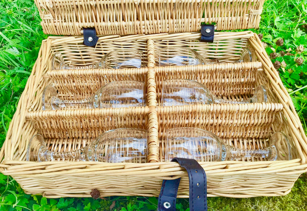 The Nantuket -   a rope handled  willow picnic hamper for 6 people