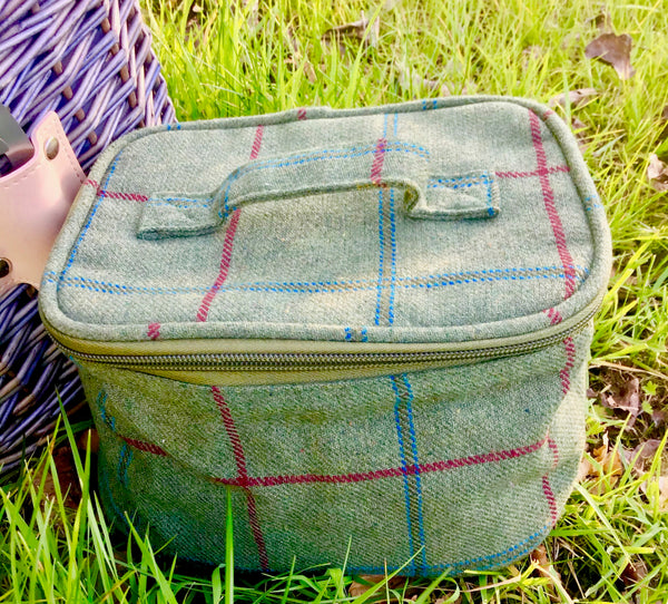 Green tweed insulated cooler bag